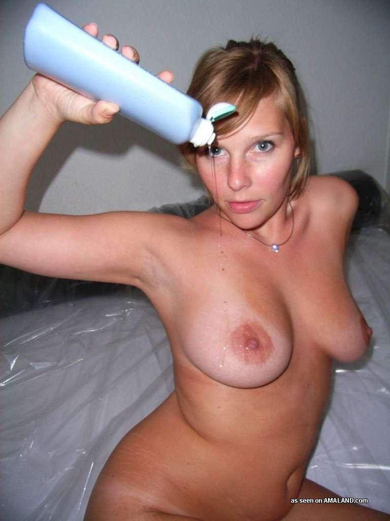 <img300*0:stuff/z/148/Amaland_big_ass_chick_does_it_all/052exvB.jpg>