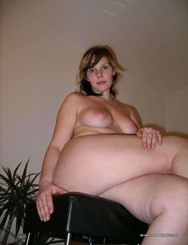 <img300*0:stuff/z/148/Amaland_big_ass_chick_does_it_all/068IBpO.jpg>